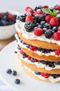 This Very Berry Layer Cake makes the perfect use of those summer berries! Layers of vanilla cake, swiss meringue buttercream, and loads of fresh berries. Food Cakes, Cupcake Cakes, Cupcakes, Summer Cakes, Summer Desserts, Easy To Make Desserts, Delicious Desserts, Fruit Birthday Cake, Berry Cake