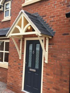 """TIMBER FRONT DOOR Canopy Porch, """"BLAKEMERE Curved  GALLOWS""""awning canopies - £186.00. Hand Made Redwood Door Canopy Blakemere with curved bracket design. The canopy comes as built sections, from first quality redwood, Comprising 2 Gallows brackets, 1 Front truss, 1 rear truss and loose """"V"""" jointed boarding for the roof. Dimensions of the Canopy: (to fit a standard external door & frame) - Ridge to top of gallows bracket = 680mm (27 inches) - Gallows brackets measure 600mm x 900mm (24 x 36…"""
