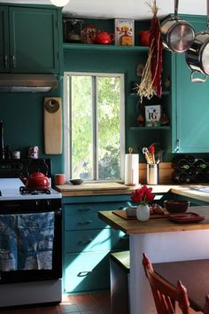 Find Your Style: 10 Beautiful Real-Life Kitchens with Colorful Cabinets