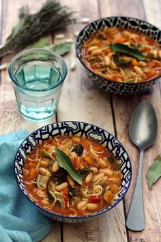 Minestrone d'hiver – Amandine Cooking – home acssesories Vegetarian Vegetable Soup, Vegetable Soup Crock Pot, Vegetable Soup With Chicken, Vegetarian Lunch, Vegetable Recipes, Diet Soup Recipes, Healthy Recipes, Plats Healthy, Plat Vegan
