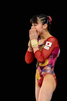 Aiko Sugihara of Japan competes on the floor exercise during the qualification round of the Artistic Gymnastics World Championships on October 2017 at Olympic Stadium in Montreal, Canada. Gymnastics World, Gymnastics Photos, Artistic Gymnastics, Floor Workouts, Aiko, Olympians, Female Athletes, World Championship, Wetsuit