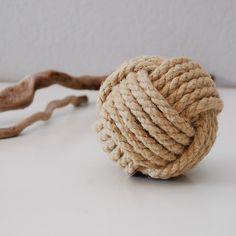 Grande pomme de touline en chanvre naturel - Déco bord de mer : Accessoires de maison par lutine-creations-creations-d-objets-de-decoration