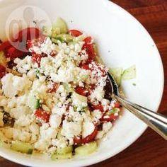 Foto recept: Tomaat-komkommersalade met feta