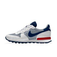 Nike Internationalist iD Shoe Me Too Shoes, Men's Shoes, Nike Shoes, Shoe Boots, Shoes Sneakers, Nike Red Sneakers, Adidas Zx 700, Basket Nike, Nike Internationalist