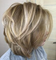 Medium Hairstyles and Haircuts for Shoulder Length Hair in 2019 — TRHs - Schulterlange Haare Ideen Medium Hair Cuts, Short Hair Cuts, Medium Hair Styles, Haircut Medium, Choppy Bob Hairstyles, Cool Hairstyles, Hairstyle Ideas, Women's Medium Hairstyles, Middle Hairstyles