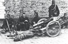 Des chiens transportant une mitrailleuse lourde en Belgique, en 1914
