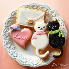 cat lovers cookies. Possibly the cutest cookies I've ever saw.