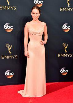 Emilia Clarke de Atelier Versace