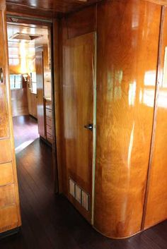 Gorgeous bamboo flooring in a Spartanette trailer. You are in the right place about bamboo flooring bathroom Here we offer you the most beautiful pictures about the horizontal bamboo flooring you are Vintage Rv, Vintage Airstream, Vintage Travel Trailers, Vintage Trucks, Vintage Campers, Vintage Caravans, Camper Caravan, Camper Trailers, Retro Trailers