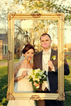 If I don't end up with a photo booth at my wedding.. I wouldn't mind something like this!