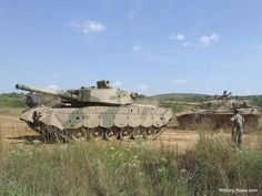 From the middle of the last century, the army has made South Africa tanks Centurion received the title Olifant (elephant). Armored Truck, Tank Armor, Defence Force, Armor Concept, Battle Tank, Ww2 Tanks, Military Equipment, Modern Warfare, War Machine
