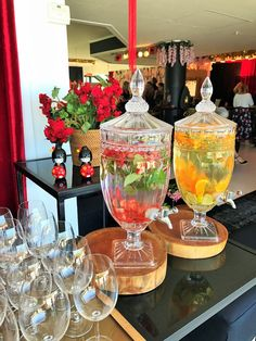 Trendy Ideas for wedding food table decorations buffet Barbecue Party, Bridal Shower Decorations, Table Decorations, Party Drinks, Tea Party, Party Food Platters, Buffet Set, Food Displays, Drink Dispenser