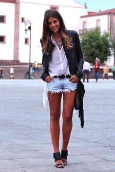 Blusa/Blouse: Hakei (SS Chaqueta de cuero/Leather jacket: Vila (SS Shorts: Zara (Old) Cinturón/Belt: Native Leather NY Sandalias/Sandals: Zara (AW Denim Fashion, Girl Fashion, Fashion Outfits, Womens Fashion, Street Fashion, Trendy Taste, Swagg, Passion For Fashion, Casual Looks