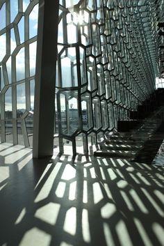 Iluminación en la fachada Harpa Concert Hall