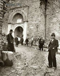 The Gate of Yedikule, Istanbul, 1912 Istanbul City, Istanbul Turkey, Old Pictures, Old Photos, Istanbul Pictures, Turkey History, Turkey Travel, Thessaloniki, Ottoman Empire