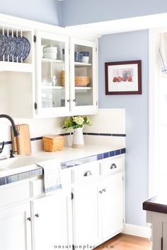 Easy kitchen cabinet organization ideas that will work for anyone, with any size kitchen, and even with older cabinets. Tips, tricks, and inspiration. #onabudget #kitchen #organization