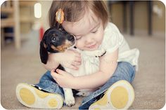 Miniature Dachshund Liu Grinsteinner Treffry-I love this picture! Vintage Dachshund, Mini Dachshund, Baby Animals, Cute Animals, My Baby Girl, Baby Girls, Dogs And Kids, Dog Rules, Dog Friends