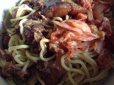 豚軟骨とキムチの熱盛り和え麺