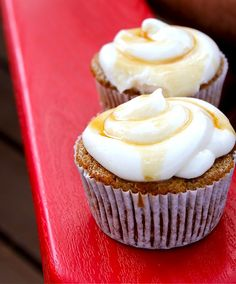 carrots cupcakes + caramel cream cheese frosting