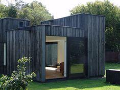1-Story Skybox: Small & Simple Open-Plan Summer House | Designs & Ideas on Dornob
