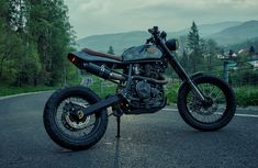 Perfect Ride BigDR Suzuki DR 800 http://thebikeshed.cc/2015/01/26/perfect-ride-big-draker/