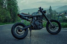 Perfect Ride BigDR Suzuki DR 800 http://thebikeshed.cc/2015/01/26/perfect-ride-big-draker/