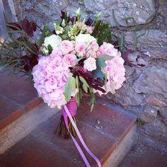 #floral by @jardindivers design @chicweddingsinitaly_clara @sarapietrelli #igerstuscany #instabride #weddings #weddingintuscany #flowerstagram #flowerslovers #umbria