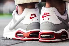 Sneaker Central - NIKE AIR MAX COMMAND - Foot Locker