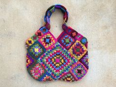 Lined #crochet granny square bag by Crochetbug
