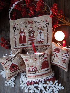 The Little Stitcher: The Colors of Christmas - Red Christmas