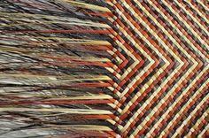 Shona Tawhiao Maori Fibre Artist and Designer Flax Weaving, Weaving Art, Weaving Patterns, Loom Weaving, Basket Weaving, Maori Designs, Maori Art, Handbag Patterns, Weaving Techniques