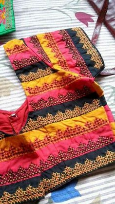Kurta Designs, Saree Blouse Designs, Blouse Patterns, Kutch Work Designs, Hand Embroidery Designs, Embroidery Patterns, Back Neck Designs, Work Blouse, Fancy