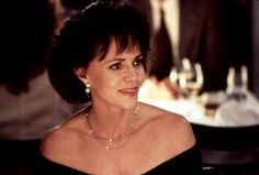 sally field in mrs doubtfire Mrs Doubtfire, All Grown Up, Playbuzz, Sally, Cute Kids, Growing Up, Actresses, Actors, Mom