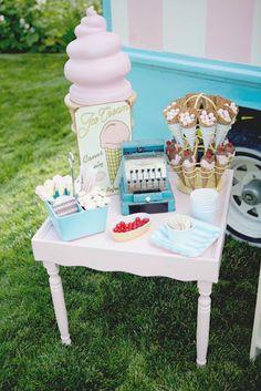 Festa infantil temática de sorvete é a tendência das festas infantis do momento. Se estiver procurando festas desse tipo, confira aqui as ideias fantásticas