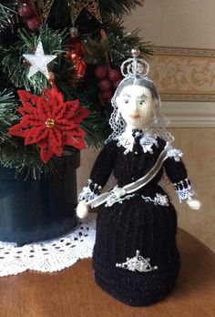 pearly #QueenVictoria Thanks for introducing the Christmas tree in 1840s