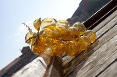 Виноград из муранского стела - замечательное дополнение лета.