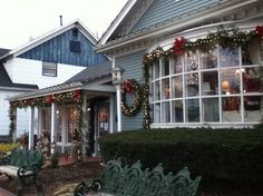 Long Grove, IL Shops decorate for the upcoming holidays