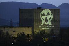 La central nuclear de Garoña se apagará este domingo y su cierre se producirá este año.      la buena noticia del día
