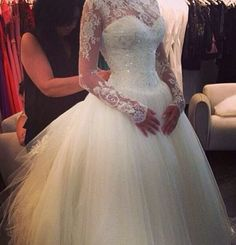 Love the lace sleeves