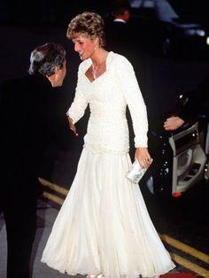 size: Photographic Print: Diana Princess of Wales September 1996 Poster : Entertainment Princess Diana Dresses, Princess Diana Fashion, Princess Diana Family, Princess Diana Pictures, Princes Diana, Royal Princess, Princess Of Wales, Barbie, Princesa Real