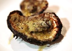 Grilled Oysters Seafood Dishes, Fish And Seafood, New Recipes, Favorite Recipes, Bacon And Butter, Grilled Oysters, Oyster Recipes, Grill Time, Summer Bbq