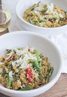 Quinoa Risotto with Roasted Asparagus and Sun-Dried Tomatoes. A flavor and nutrition packed #vegetarian meal or side that everyone will love! (#glutenfree!)