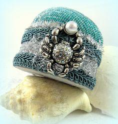 Needlework accessories pincushion crab pearl ocean beach sea life teal emerald silver metallic mesh July birthday Cancer sign  tagt