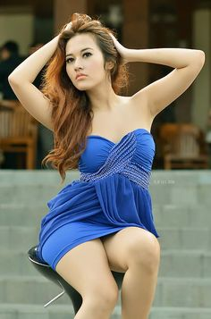 Hotty in blue