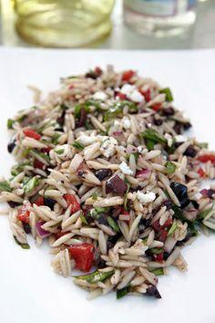 orzo Feta Salad, Salad Bar, Soup And Salad, Orzo Pasta Recipes, Pasta Dishes, Orzo Risotto, Olive Salad, Vegetarian Recipes, Healthy Recipes