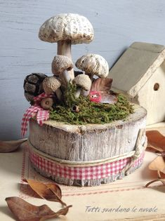 Hand Made - Creative production from A - Z: Autumn inspirations - Wild mushrooms from natural materials Mushroom Crafts, Mushroom Decor, Mushroom Art, Autumn Crafts, Nature Crafts, Fun Crafts, Diy And Crafts, Garden Ornaments, Christmas Ornaments