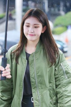Tongue, straw and other stuff Stylish Girls Photos, Girl Photos, South Korean Girls, Korean Girl Groups, Ulzzang, Jeon Somi, Famous Women, Girl Crushes, Korean Singer