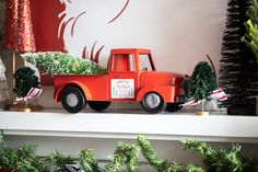 We took this simple red truck and transfored it into a DIY Christmas decoration! All you need is your Silhouette Cutter and some sticker paper! Diy Christmas Tree, Winter Christmas, Christmas Decorations, Silhouette Cutter, Silhouette Machine, Silhouette America, Sticker Paper, Truck, Crafty