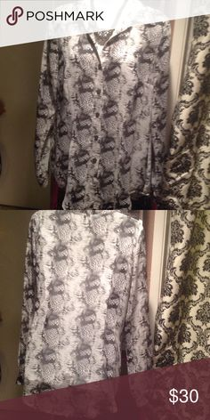 Cabi snake print blouse Like new! Not really my style anymore. Love Cabi though!😊 CAbi Tops Blouses