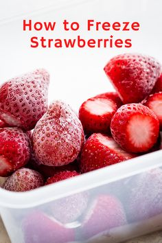 California strawberries are fully ripe when picked & don't continue to ripen afterwards. Here's how to pick & how to store strawberries to make them last as long as possible. Freezing Vegetables, Freezing Fruit, Fruits And Veggies, Frozen Fruit, Frozen Meals, Fresh Fruit, How To Store Strawberries, Frozen Strawberries, Storing Strawberries